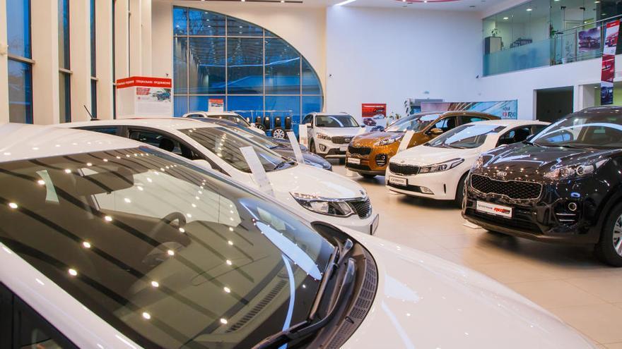 El superávit comercial del automóvil cae un 31%