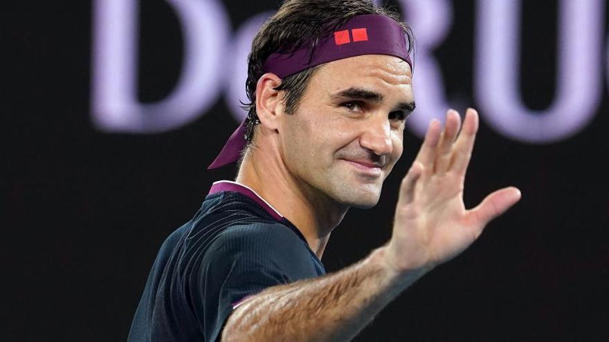 Federer gana sin sufrir en su inicio en el Open de Australia