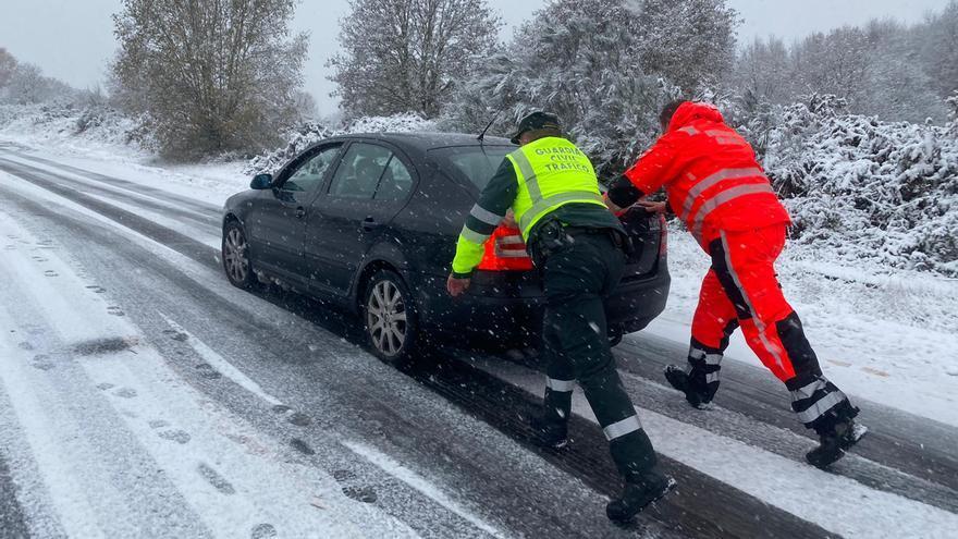 Las nevadas y los vientos de Dora dejan más de 400 incidencias en Galicia