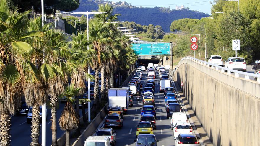 L'operació sortida del pont del Pilar es tanca amb 400.277 vehicles, el 80% dels previstos