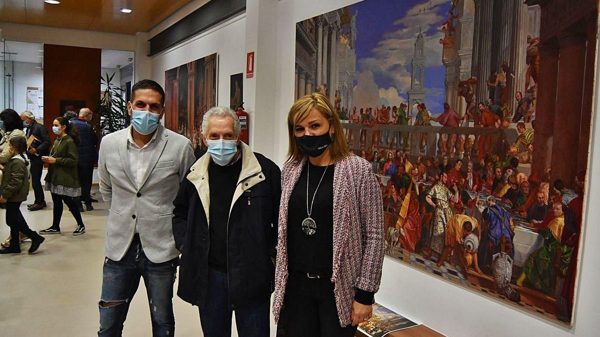 Ángel Barros muestra su obra en el Multiusos de A Xunqueira