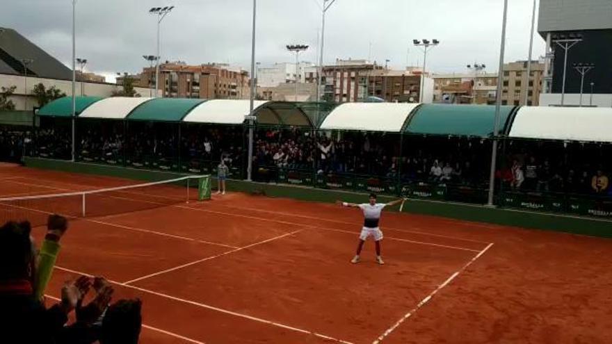 Carlos Alcaraz vuelve a ganar en el Murcia Club de Tenis