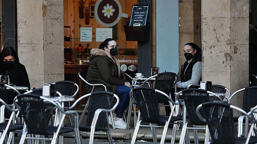 ¿Se podrá fumar en las terrazas asturianas a partir del domingo?