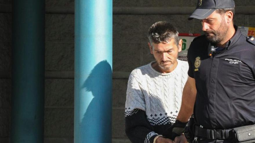 Atraca una sucursal bancaria en Vilagarcía armado con un cuchillo de cocina