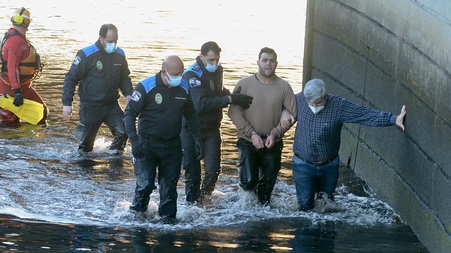 Detenido tras lanzarse al río Lérez en pleno invierno para escapar de la Policía