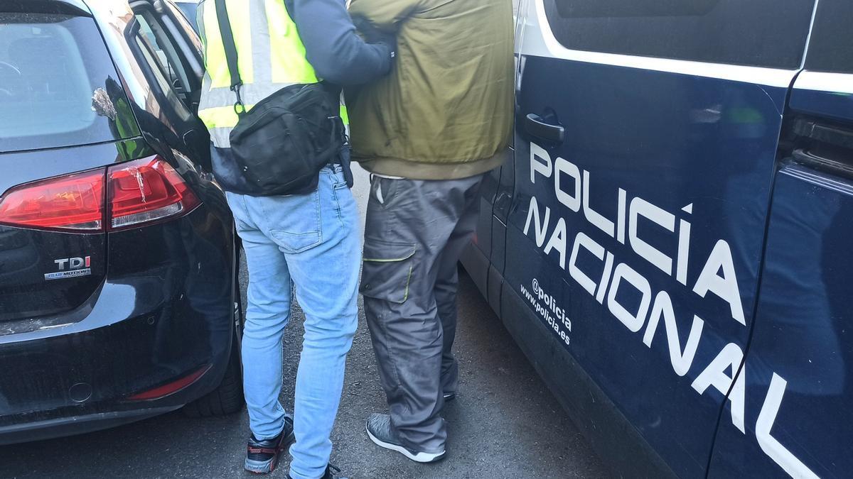 La Policía Nacional en una imagen de archivo de un robo.