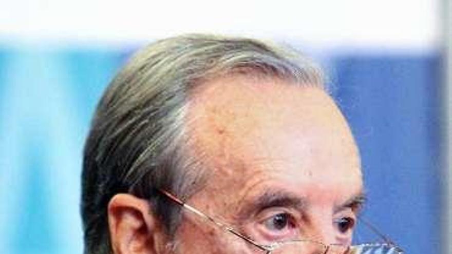 Muere Sánchez Asiaín, el banquero que introdujo en España las tarjetas de crédito