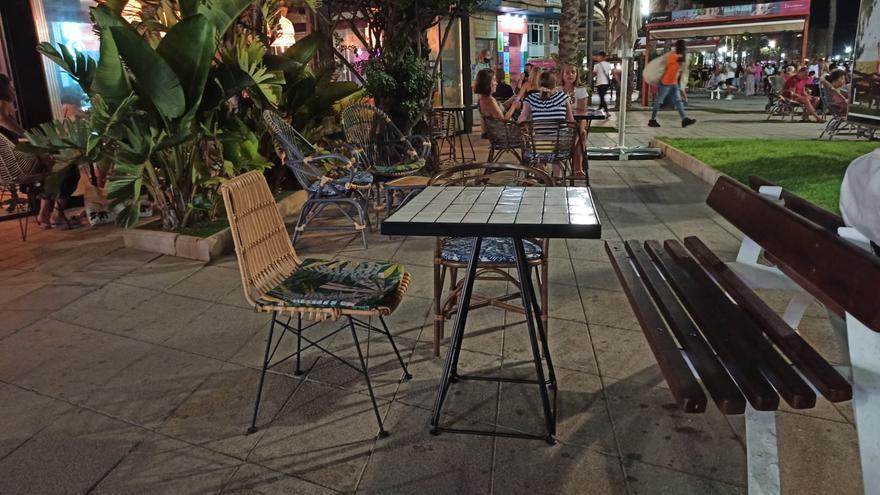 Torrevieja rechaza nueve solicitudes de corte de calle con terrazas para el verano y autoriza cinco