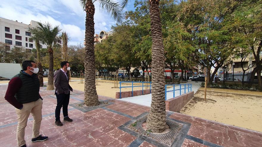 La Plaza de la Viña abre al público tras cuatro meses de obras