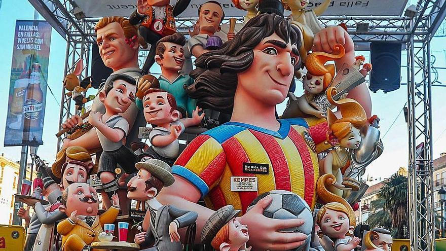 El Valencia CF regalará un ninot a cada equipo rival que acuda a Mestalla