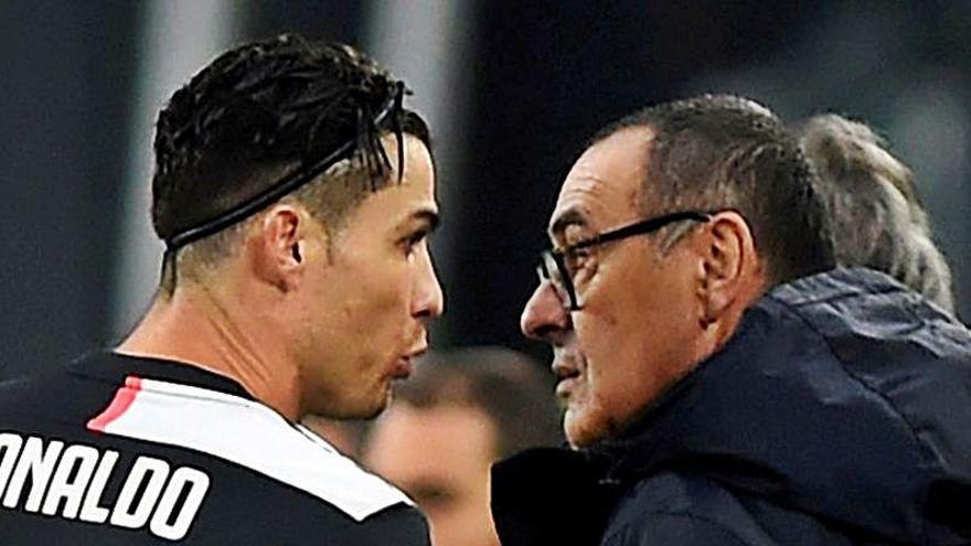 Sarri, despedido de la Juventus de Turín