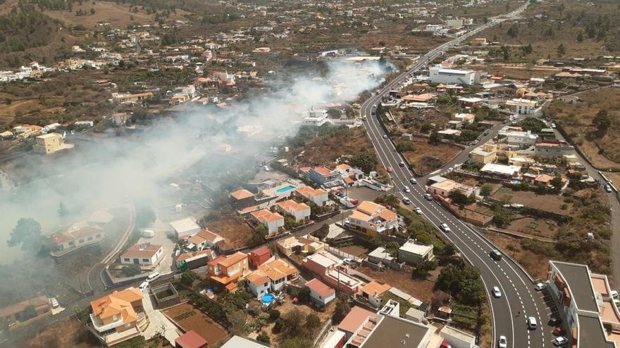 Vista aérea de las llamas en El Paso.