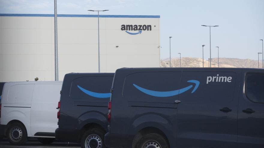 El británico Roebuck compra la nave de Amazon en Alicante