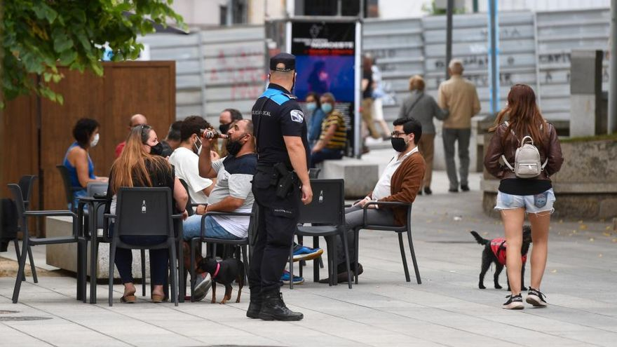 Los hosteleros coruñeses recurrirán las restricciones de la Xunta al sector