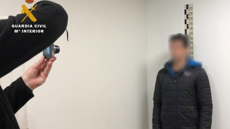 Detenidas 35 personas de siete provincias por abusos sexuales a menores a través de una web de citas