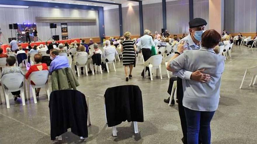 Formulan dos denuncias a Oliva por vulnerar las normas anticovid en los actos con jubilados