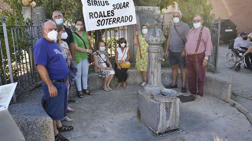 Las protestas contra el tendido eléctrico de Roales llegan al pleno municipal