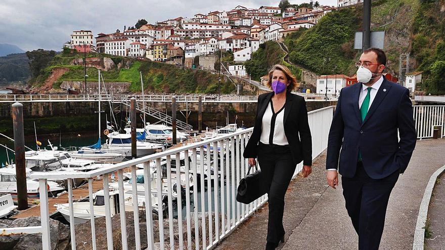 El Principado invertirá cuatro millones en mejoras en el puerto de Lastres, afirma Barbón