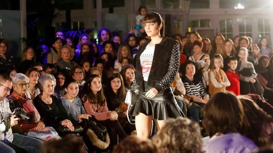 """La estilista Cristina Rodríguez viste el frío: """"Mostaza, cuadros y botas de calcetín"""""""