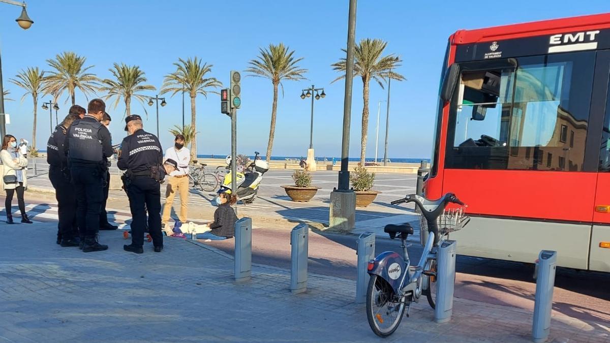 Un autobús atropella a un niño de 5 años en València
