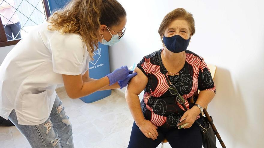 Coín vacuna este miércoles a los mayores de 65 contra la gripe