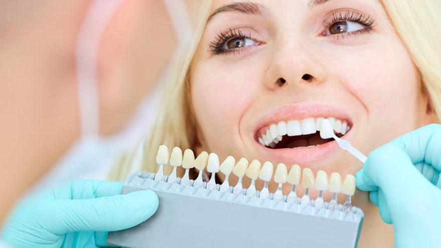 Higiene del implante dental en tres pasos