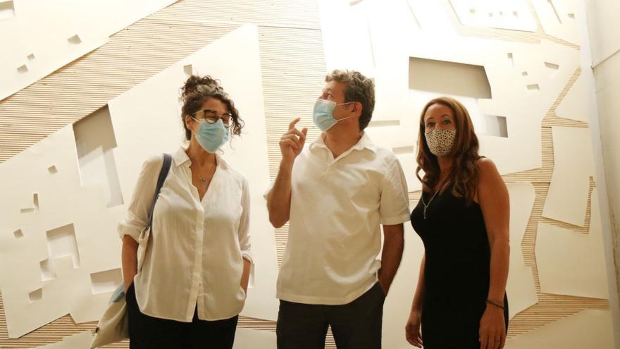 Rafael Obrero expone en el Taurino la muestra 'Tramas y extraños'