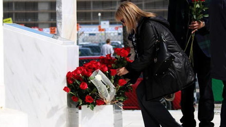 El pare del copilot de Germanwings posa en dubte la investigació sobre la catàstrofe