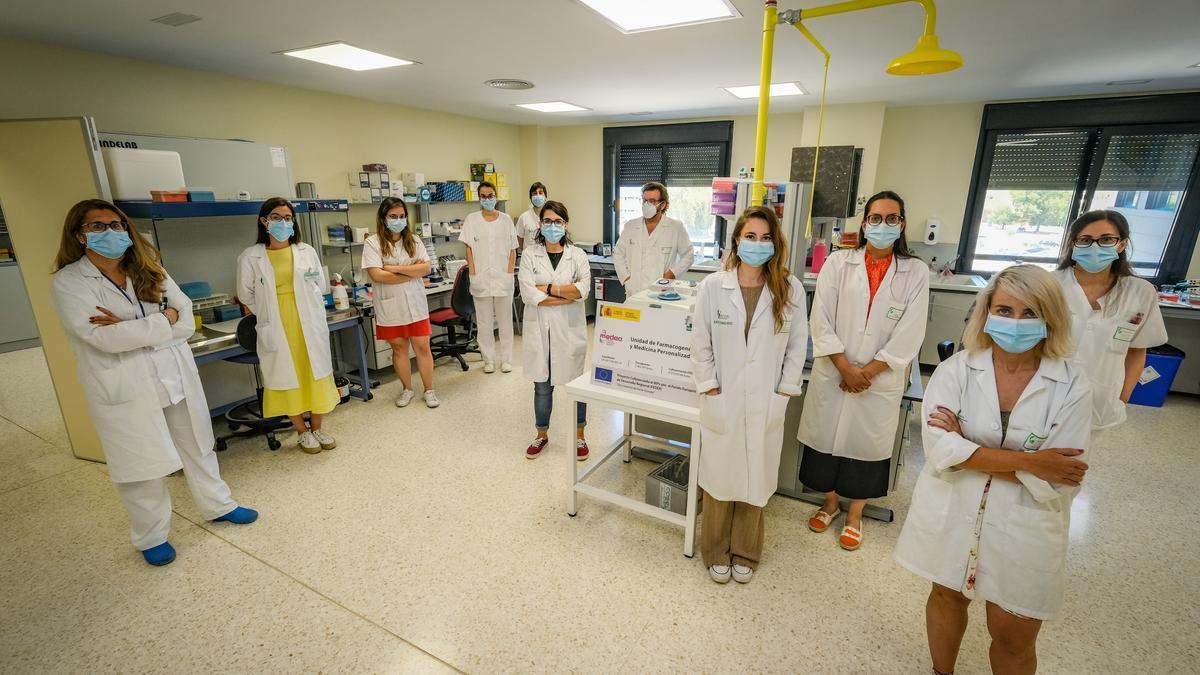 El equipo del Cicab, encargado del programa Medea, en el Hospital Universitario de Badajoz.