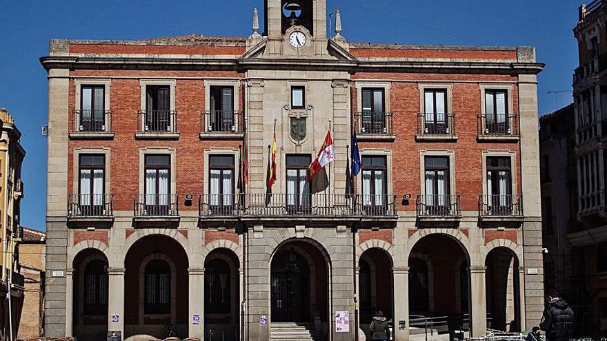 Zamora diseña el calendario fiscal de 2022 con el cobro del IBI en julio
