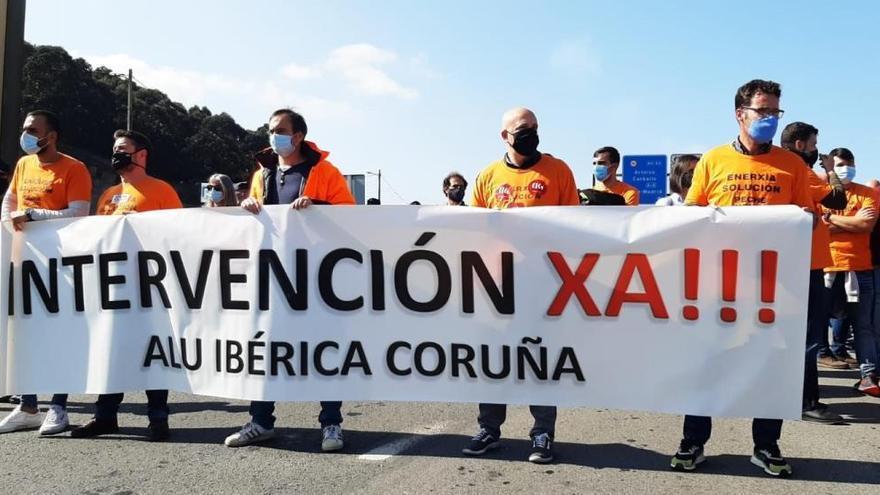 """El comité de Alu Ibérica en A Coruña ultima su denuncia ante Fiscalía para que investigue """"hasta el final"""" la venta"""