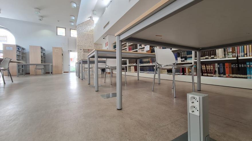 Elda mejora la climatización y las conexiones eléctricas de la biblioteca Alberto Navarro