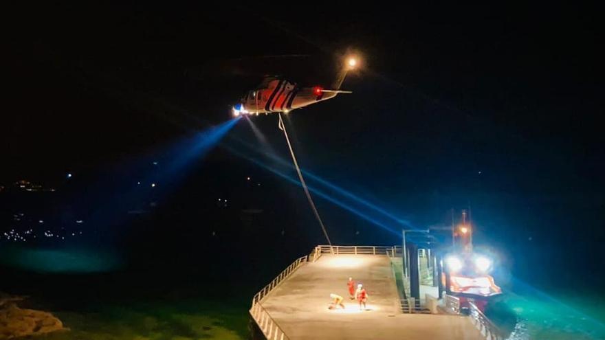 Espectacular evacuación en medio de la tormenta en Cíes