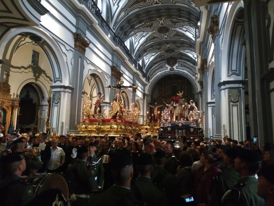 Fusionadas en el interior de la iglesia de San Juan.