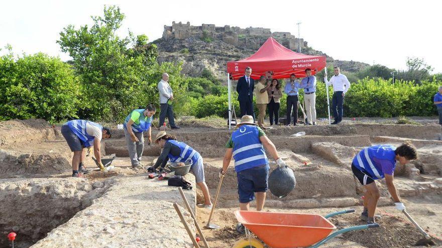 Los arqueólogos del CSIC, año y medio fuera del yacimiento de Monteagudo por falta de fondos