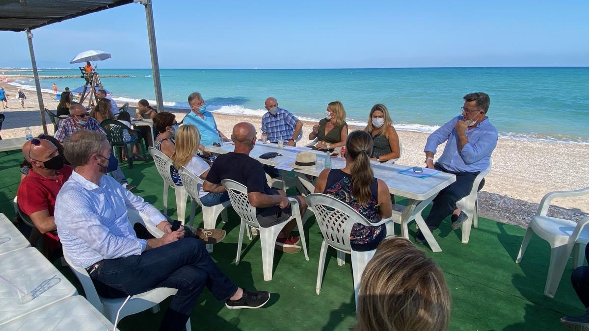 Representantes populares mantuvieron un encuentro con vecinos de municipios costeros de la provincia de Castellón.