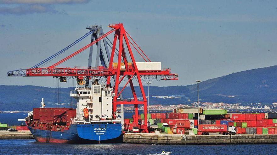 El tráfico portuario de Vilagarcía baja casi un 15% en los primeros 7 meses del año