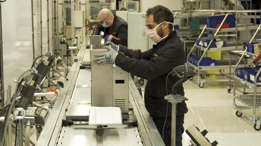 Seat retoma la actividad para fabricar respiradores cuanto antes