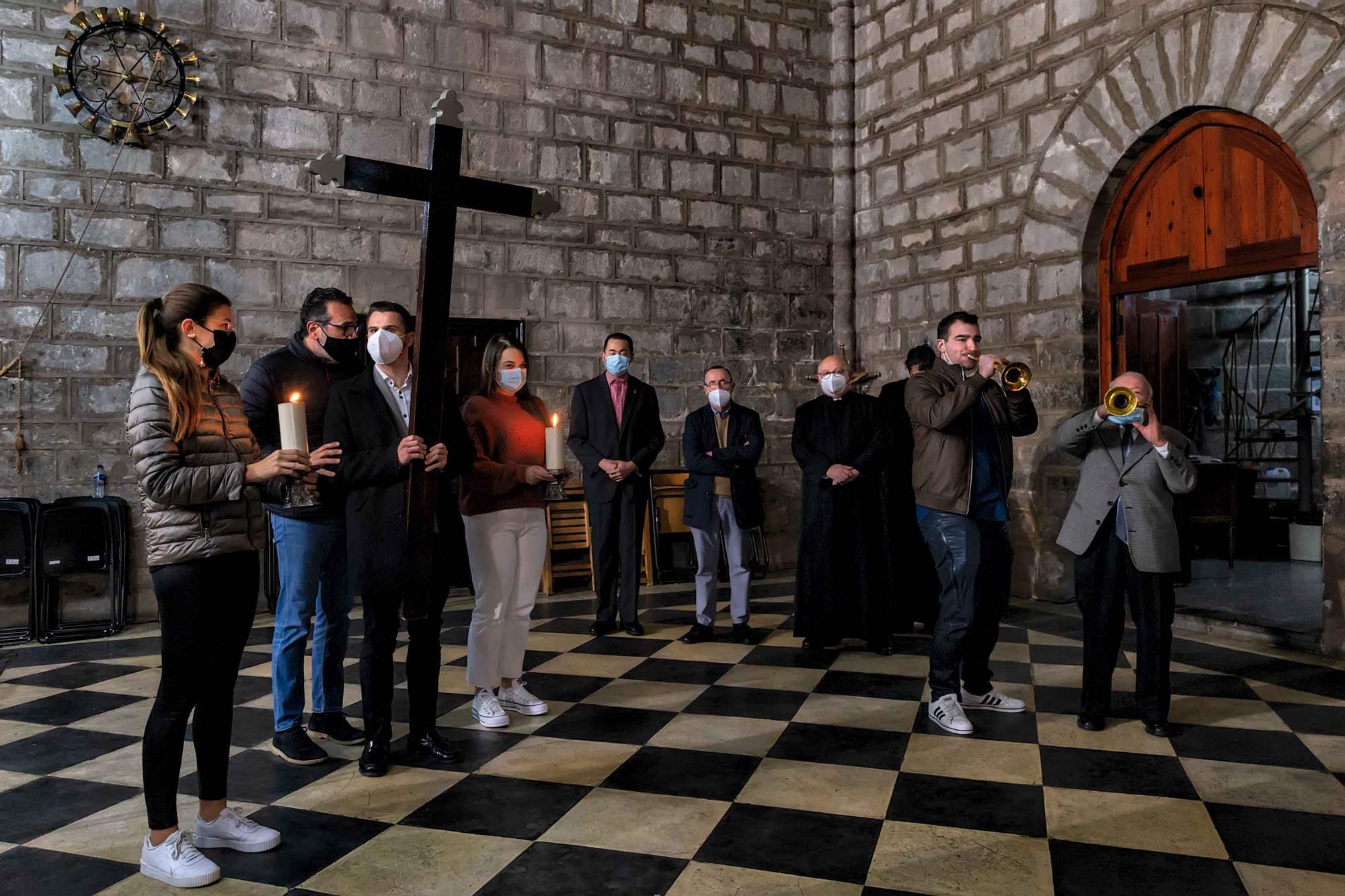 Actos en una Semana Santa de Sagunt que se ha tenido que adaptar a la pandemia.