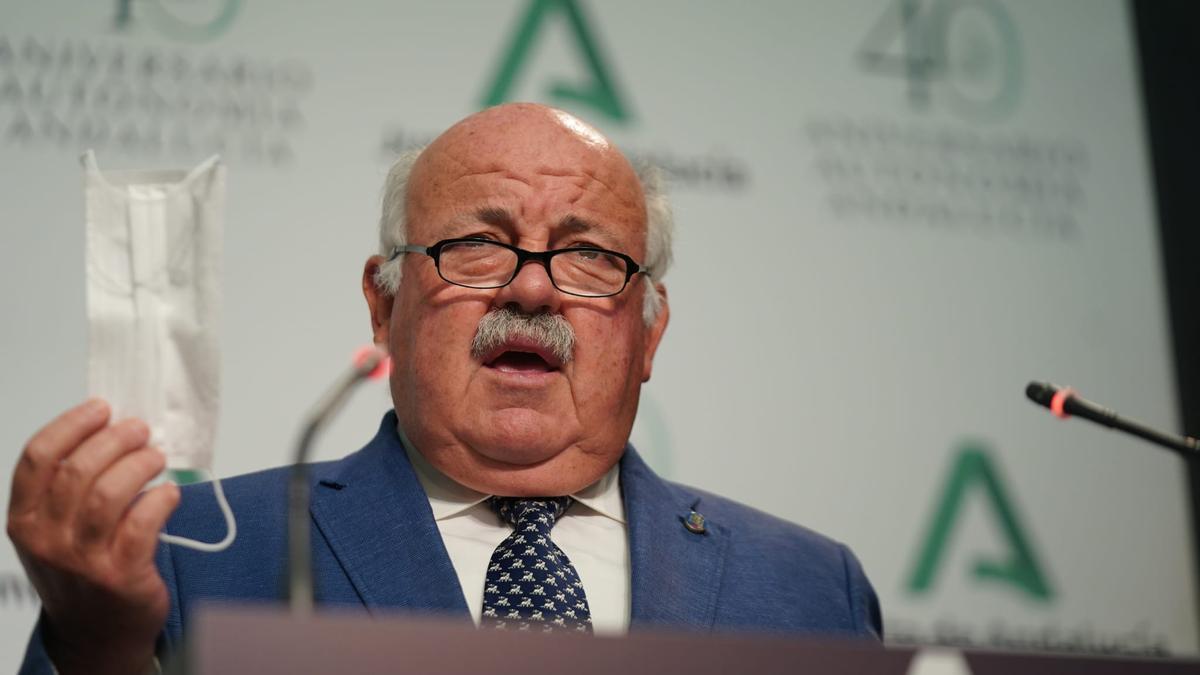 El consejero de Salud Jesús Aguirre.