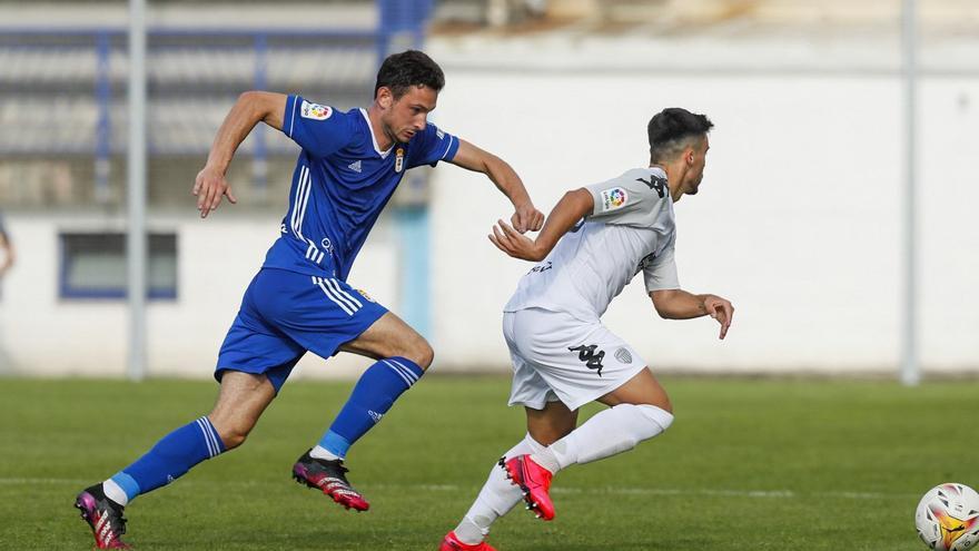El Oviedo cae a los penaltis ante el Lugo en Ribadeo