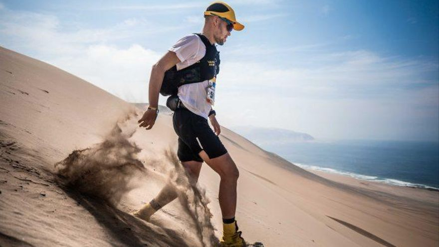 Chencho Yánez vence en la Half Marathon des Sables Perú