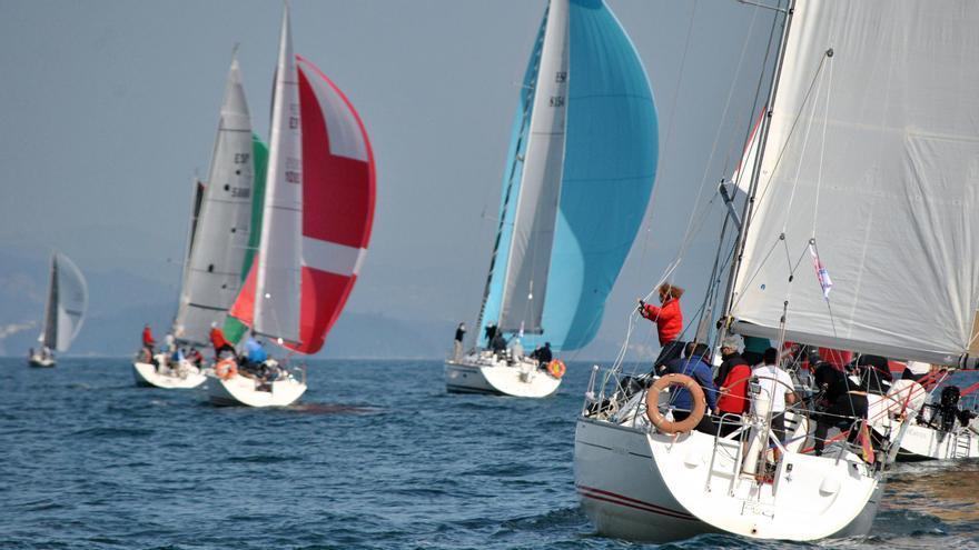 Cinco Islas Albariño y Trotto arrancan en el podio