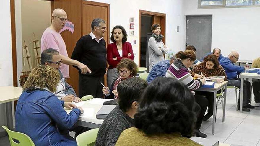 Asuntos Sociales concierta 18 plazas de vivienda supervisada con Gira-sol