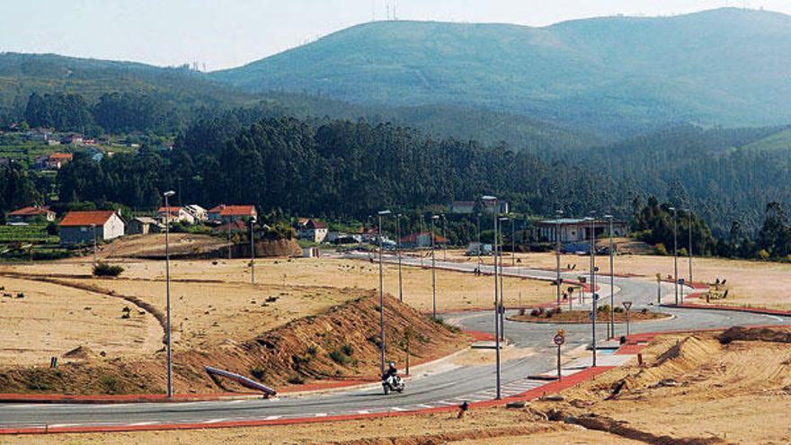 Landín considera inminente el acuerdo con los vecinos para legalizar el parque de Barro-Meis