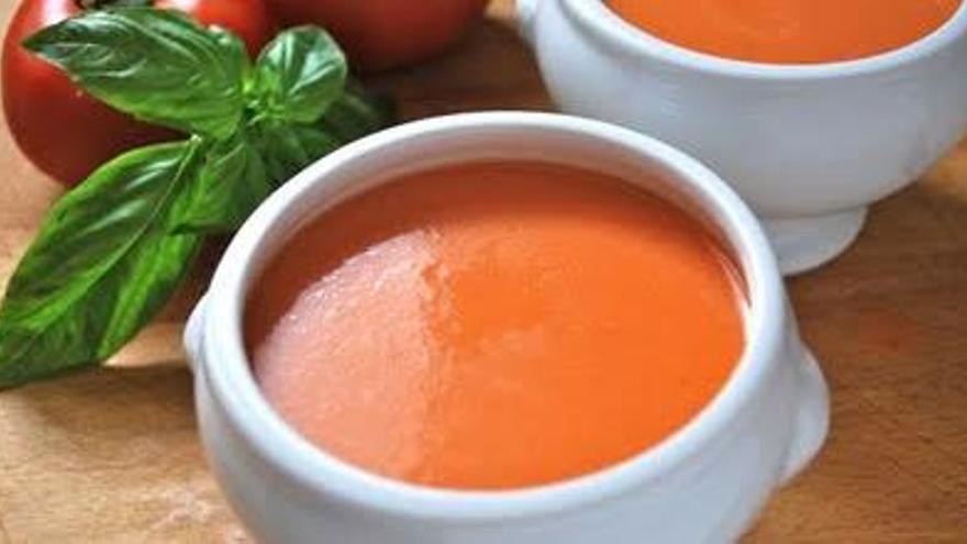 La receta que más triunfa en la cocina preparar un gazpacho fresco en menos de 10 minutos que se ha hecho viral