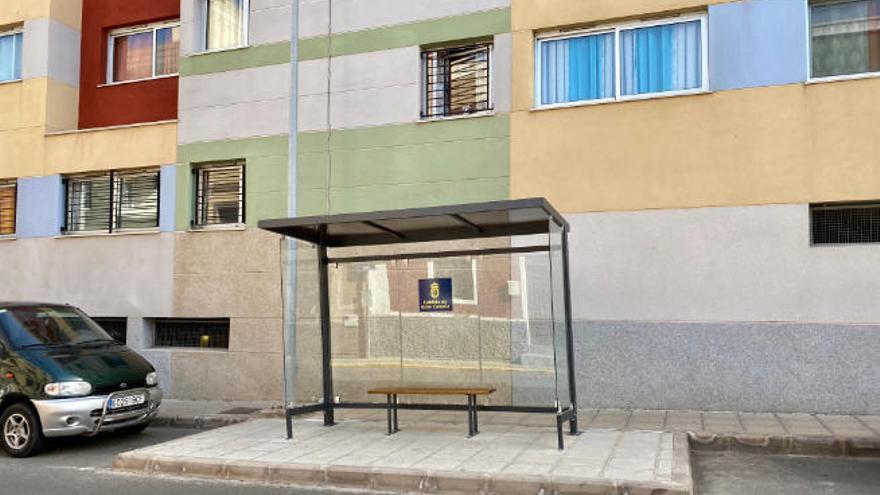 Nuevas marquesinas para el transporte escolar en Gáldar