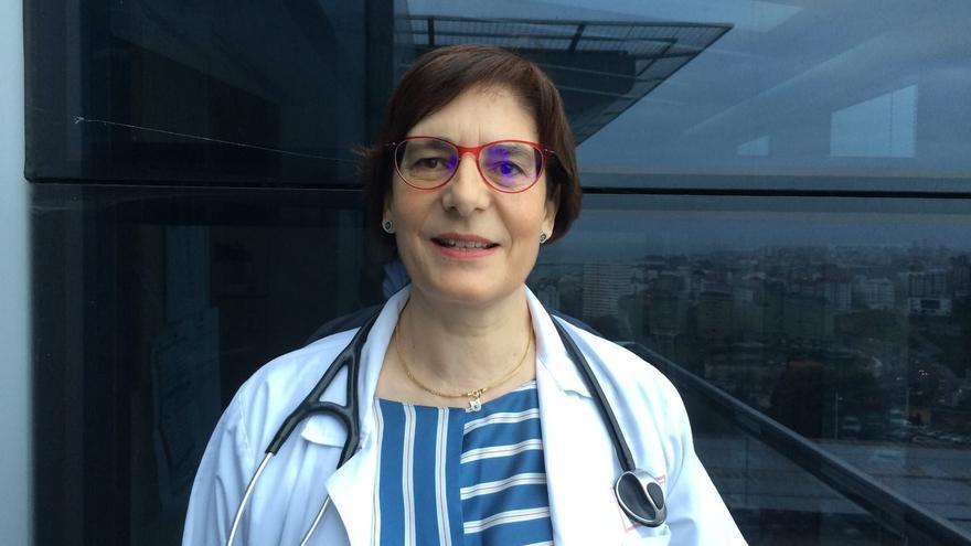 """Marina Blanco, neumóloga del Chuac: """"Rogamos que salgan del domicilio solo en casos de extrema necesidad"""""""