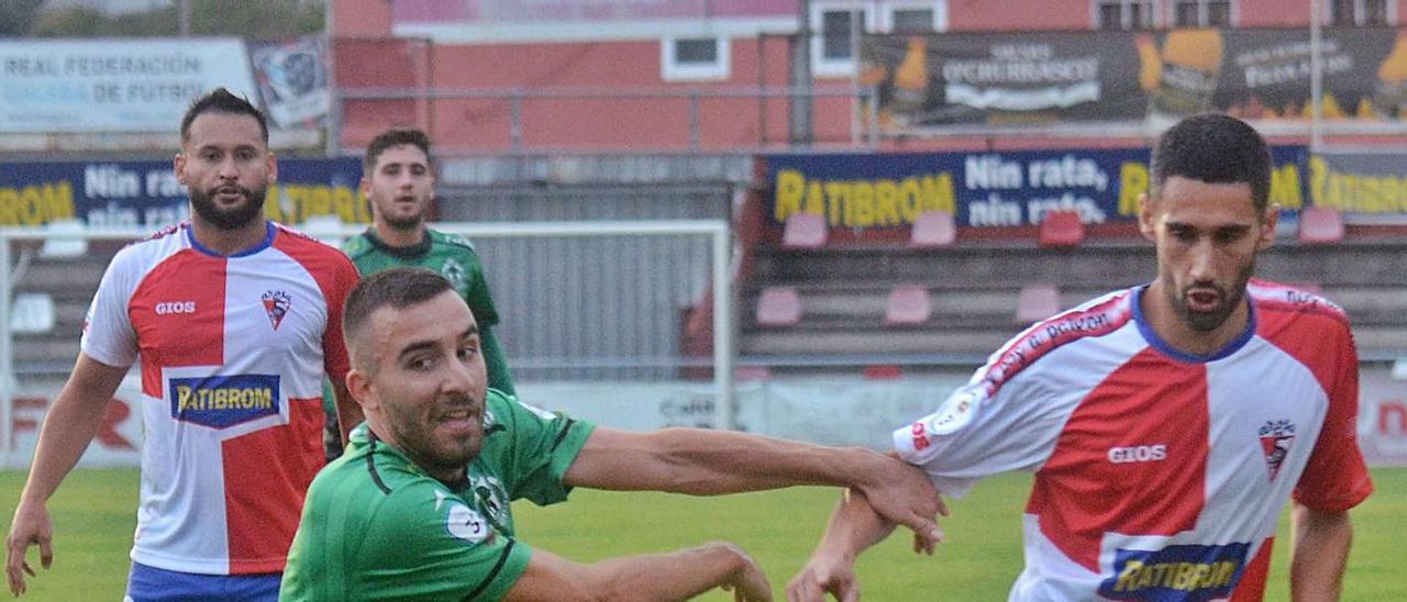 Los arlequinados también tendrán el reto de abrir su casillero goleador particular en Ourense. |  // NOÉ PARGA