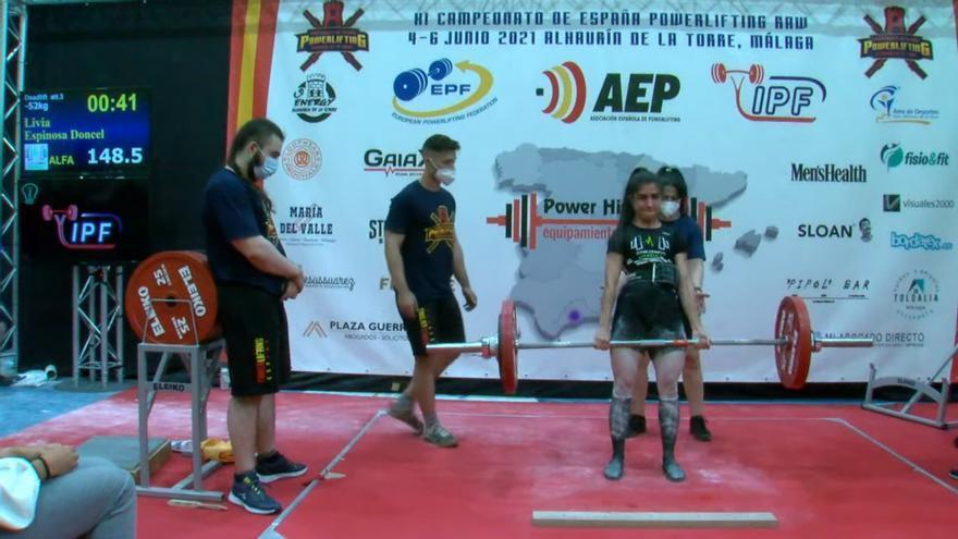 La vilera Livia Espinosa se proclama campeona de España de powerlifting